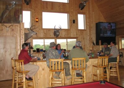 lodge-wet-bar_2697663462_l